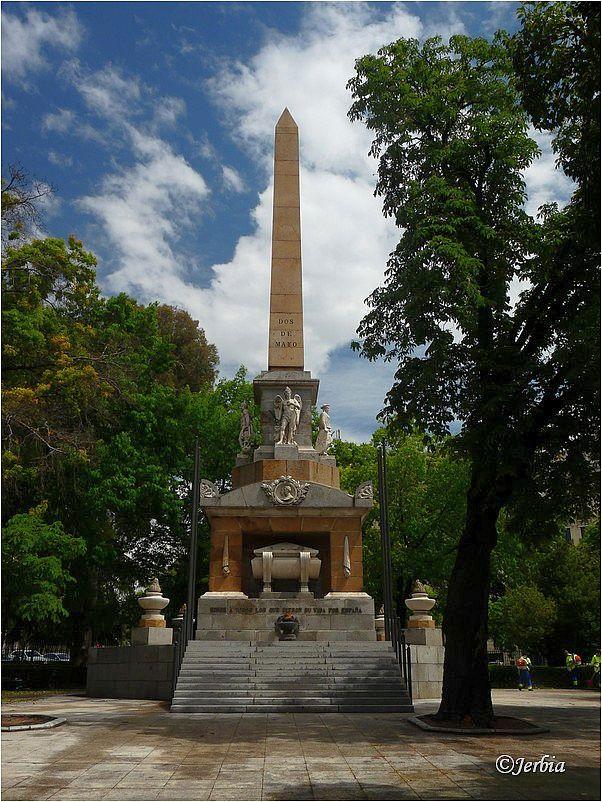 Dos de Mayo monument